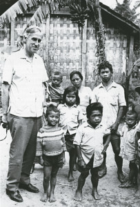 Dr Hetzel with iodine defi cient adults and children in a village in central Java, Indonesia