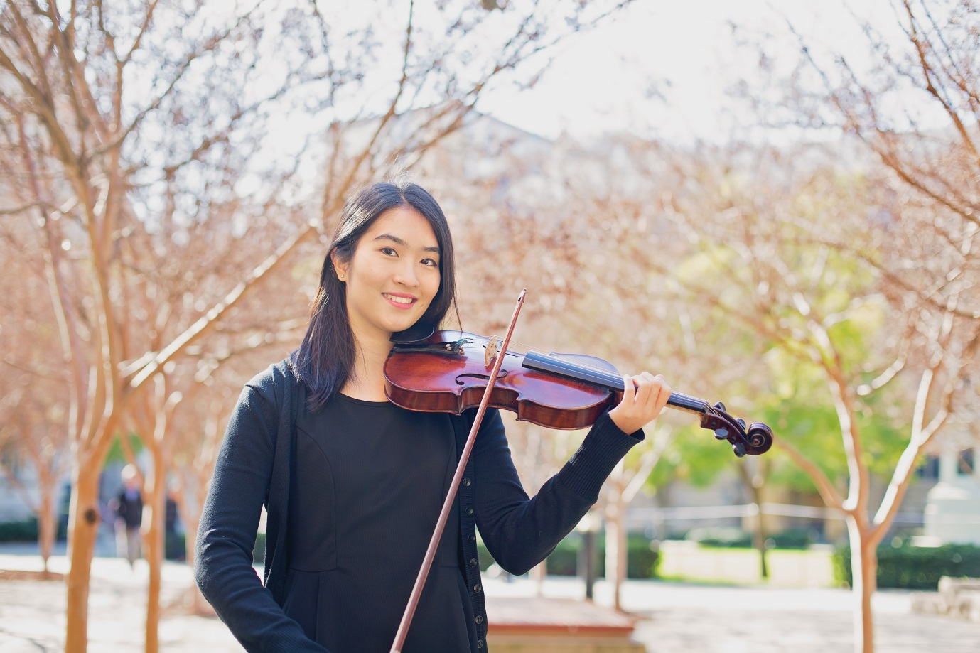 Esther Chea plays Violin