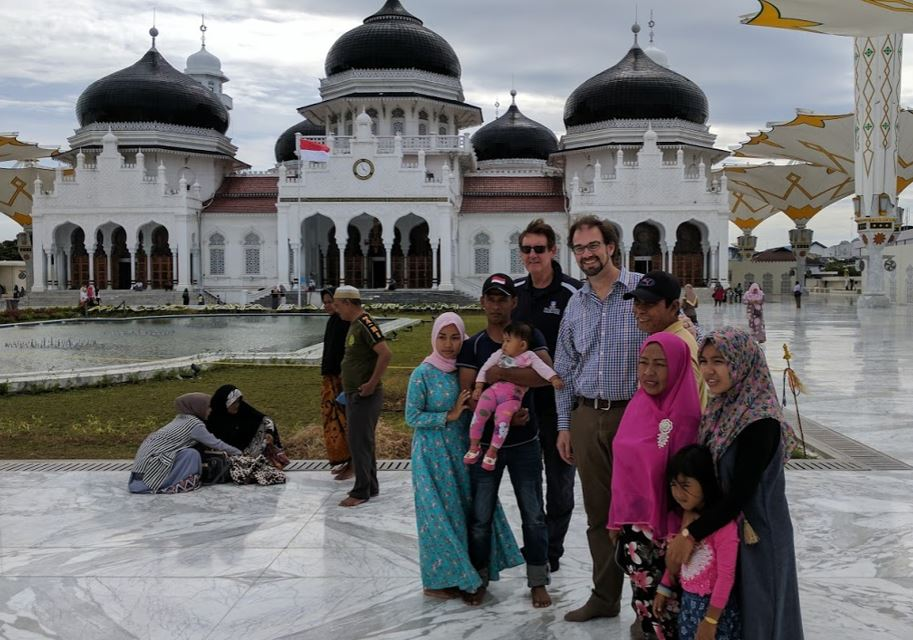 Meeting the locals at the Mosque in Banda Aceh