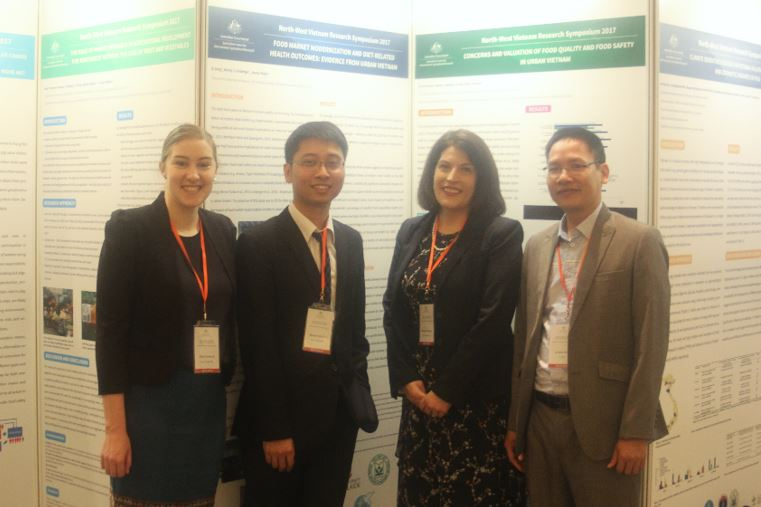 Nikki Dumbrell, Anh Duc Nguyen, Prof Wendy Umberger and Thinh Nhu Le (Fruit and Vegetable Research Institute, Vietnam) with their posters at the symposium.