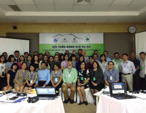 Attendees at the end of project review workshop including GFAR's Anh Duc Nguyen, Nikki Dumbrell, Prof. Wendy Umberger and Christian Genova.
