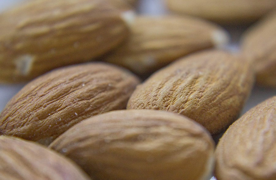 feat-img-almonds